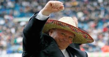 Steve Evans - sombrero