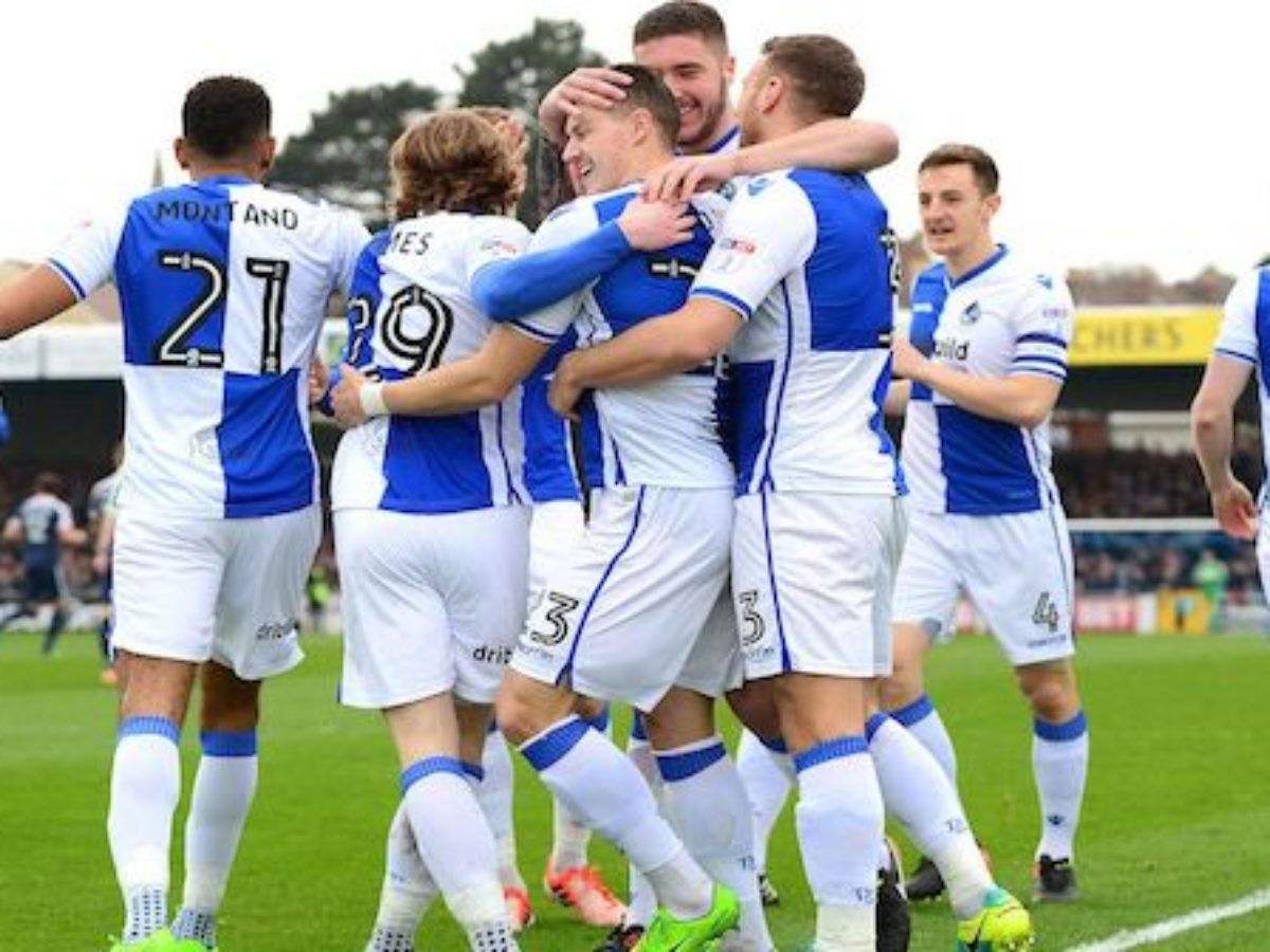 Bristol rovers vs wycombe betting experts calculate betting risk reward based on bet amount and earning